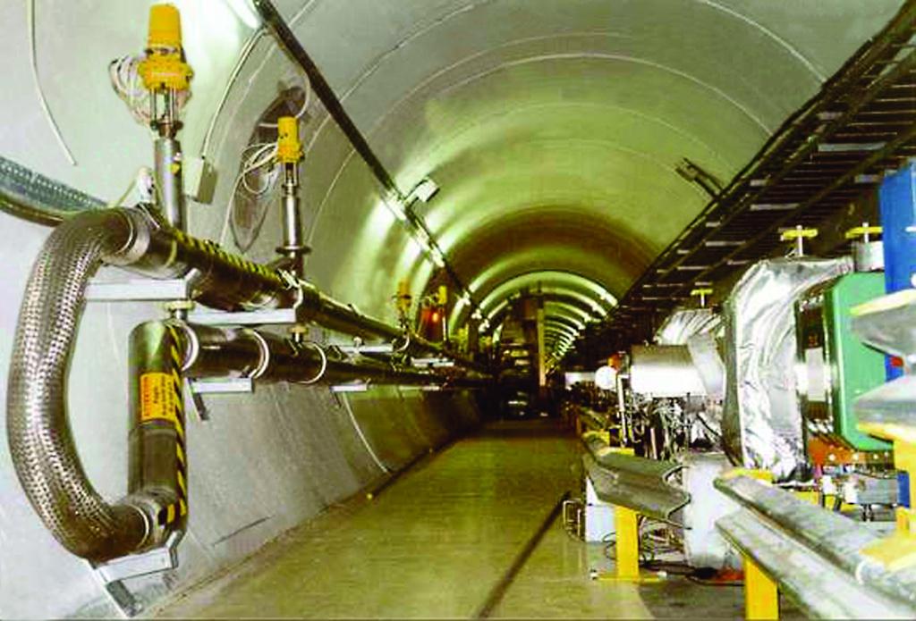 Гелиевый трубопровод_ЦЕРН_Швейцария_почищ.jpg